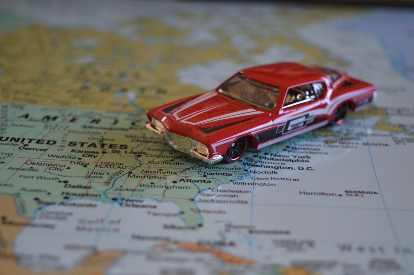 road-trip-1044982_1920